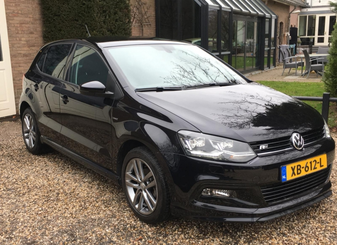 Volkswagen_Polo 1.0 R-line Blue Motion Lounge