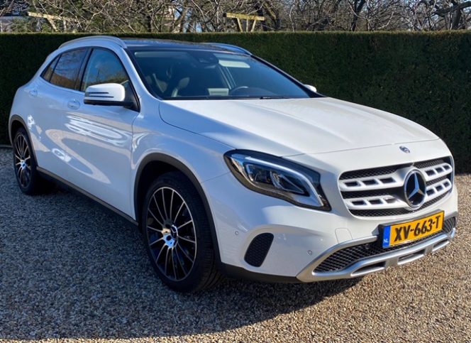 Mercedes_GLA 180 full options